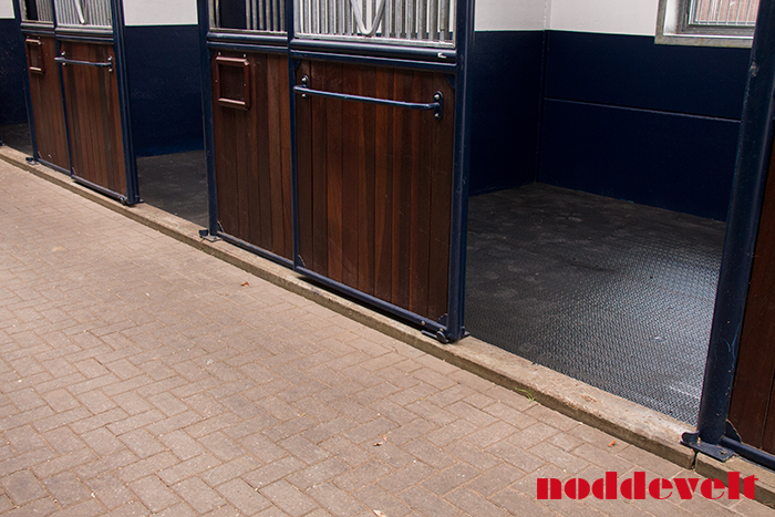 Rubber Floor Mat >> Stephex Stables - Noddevelt